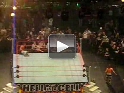 The following video is footage of last night's Hell in a Cell PPV